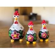 Trio de Galinhas em Cabaça - Preta com Flor Vermelha