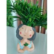 Vaso de Poliresina - Menininha Blusa Branca com Listras Azuis