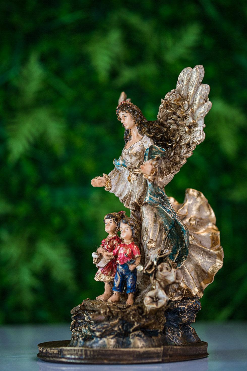 Anjo da Guarda em Resina - 28 cm