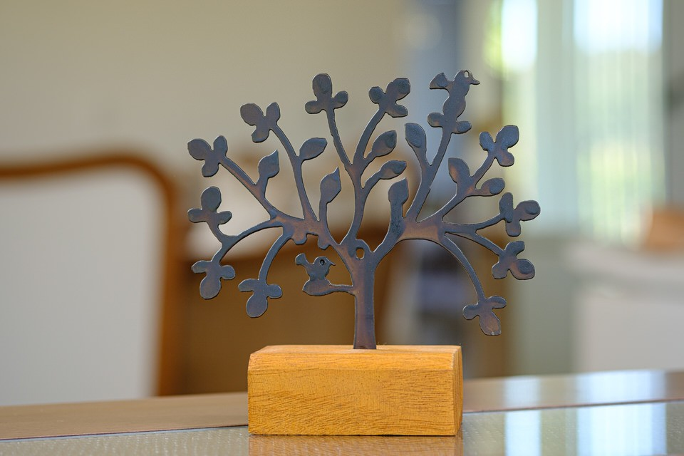 Árvore da Felicidade em Ferro e Madeira