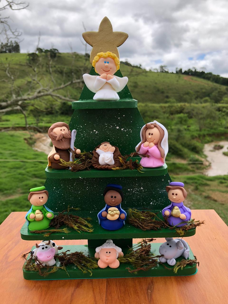 Árvore de Natal em Madeira e Biscuit