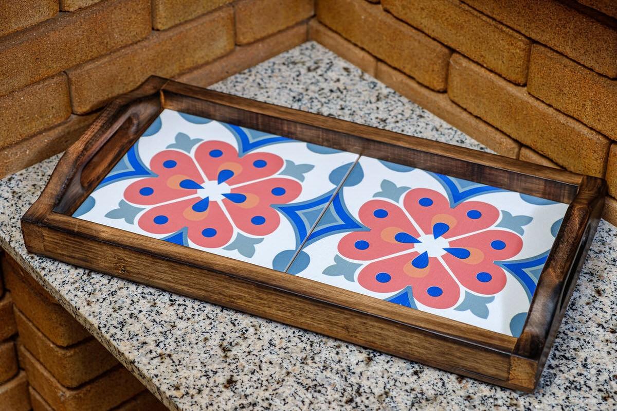Bandeja em Madeira e 2 Ladrilhos -  Mandala em Flor
