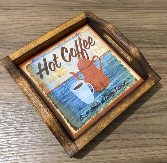 Bandeja em Madeira e Ladrilho - Hot Coffee