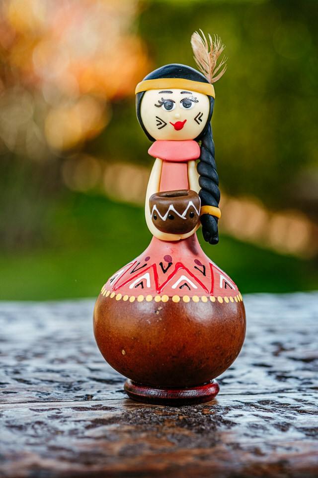 Boneca Índia em Cabaça
