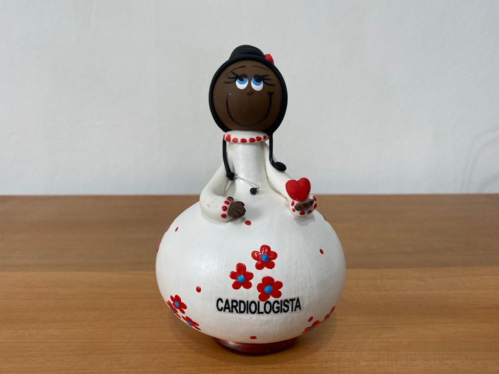 Boneco em Cabaça Profissões  - A Cardiologista