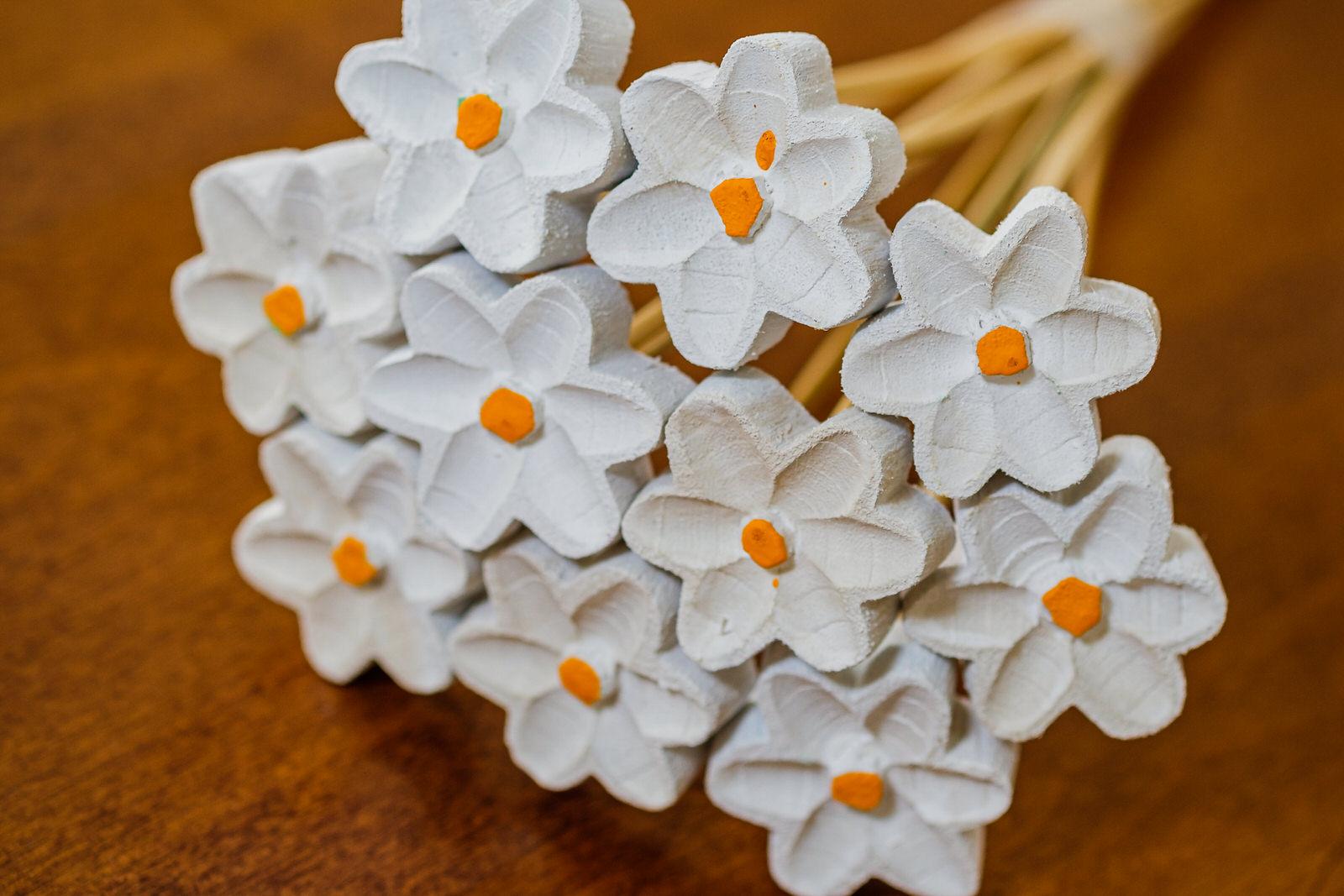 Buquê de Flores em Madeira - Branco