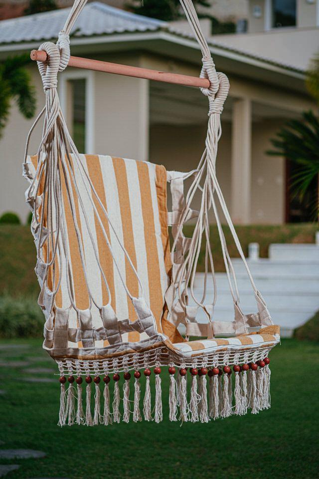 Cadeira de Balanço de Bolinha - Listrada em Mostarda