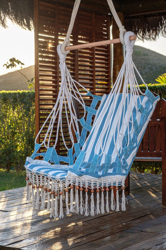 Cadeira de Balanço de Bolinha - Listrada em Azul Claro