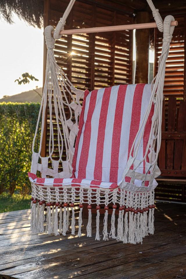 Cadeira de Balanço de Bolinha - Listrada em Vermelho