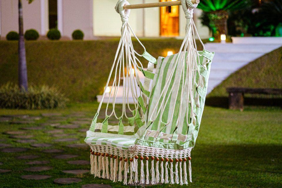 Cadeira de Balanço de Bolinha - Listrada em Verde Claro