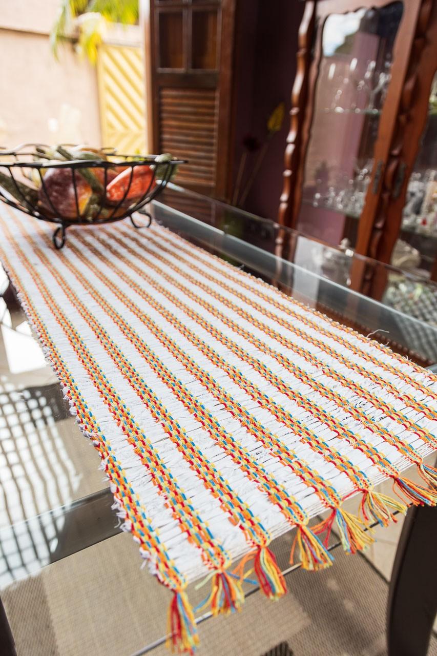 Caminho de mesa retalho seco branco colorido