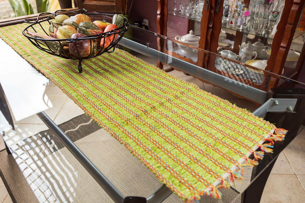 Caminho de mesa retalho seco verde