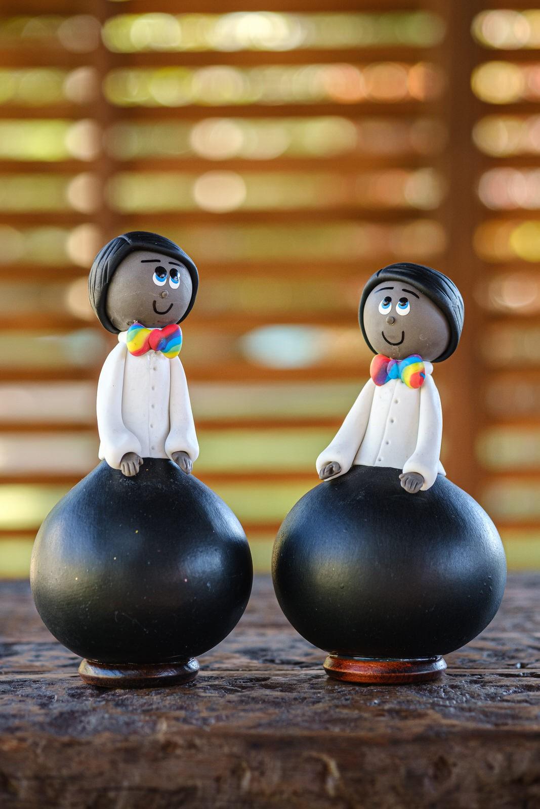 Casal de Bonecos Arco-íris em Cabaça - Negro