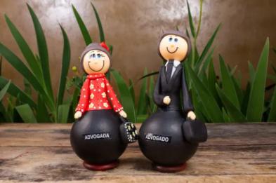 Casal de Bonecos em Cabaça Profissões - Advogados