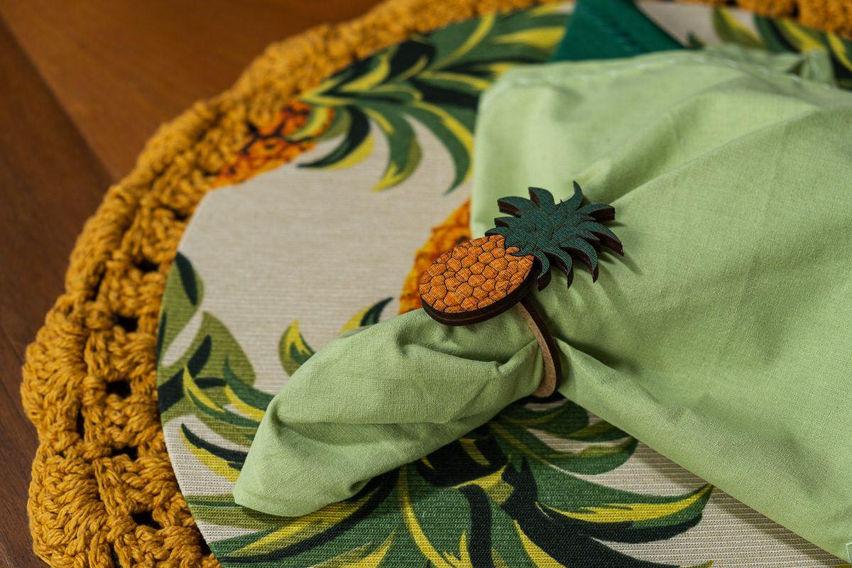 Conjunto sousplat em crochê e capa com mdf abacaxi