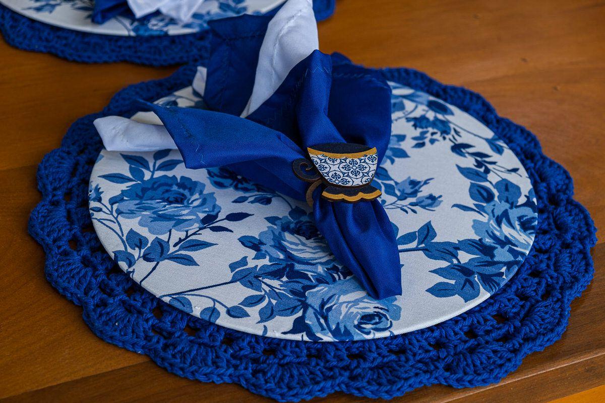 Conjunto sousplat em crochê e capa com mdf azul escuro