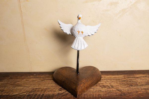 Coração com Divino em Madeira
