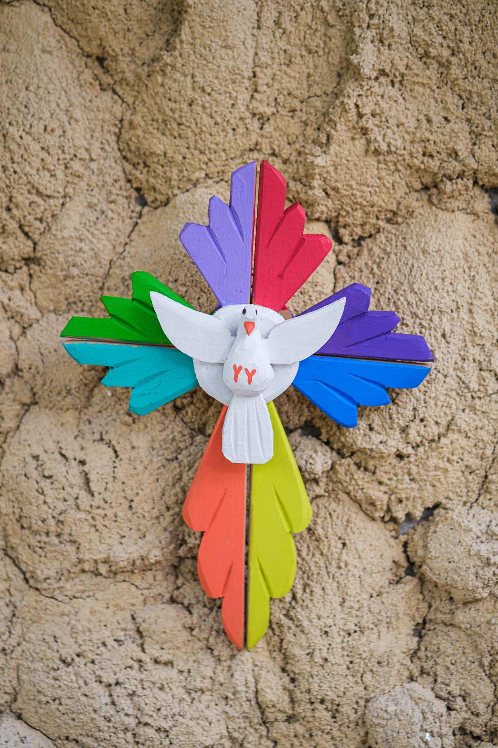 Divino Crucifixo em Madeira - Colorido