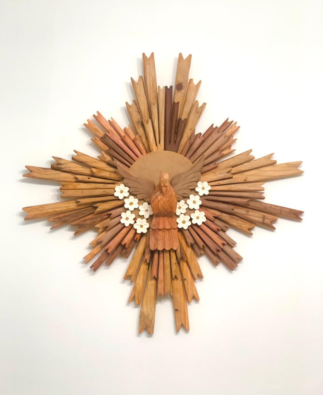 Divino Resplendor em Madeira Rústica - 80 cm x 80 cm