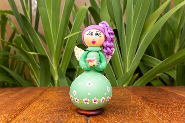 Fada em Cabaça - Cabelo Lilás e Vestido Verde