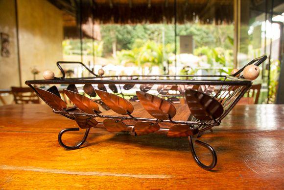Fruteira quadrada em ferro - folhas