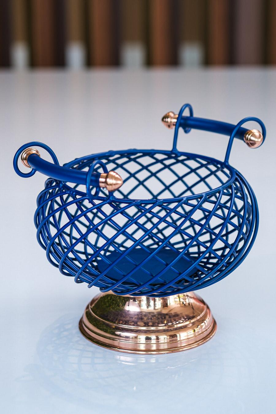 Fruteira Redonda em Ferro com Base de Cobre - Azul