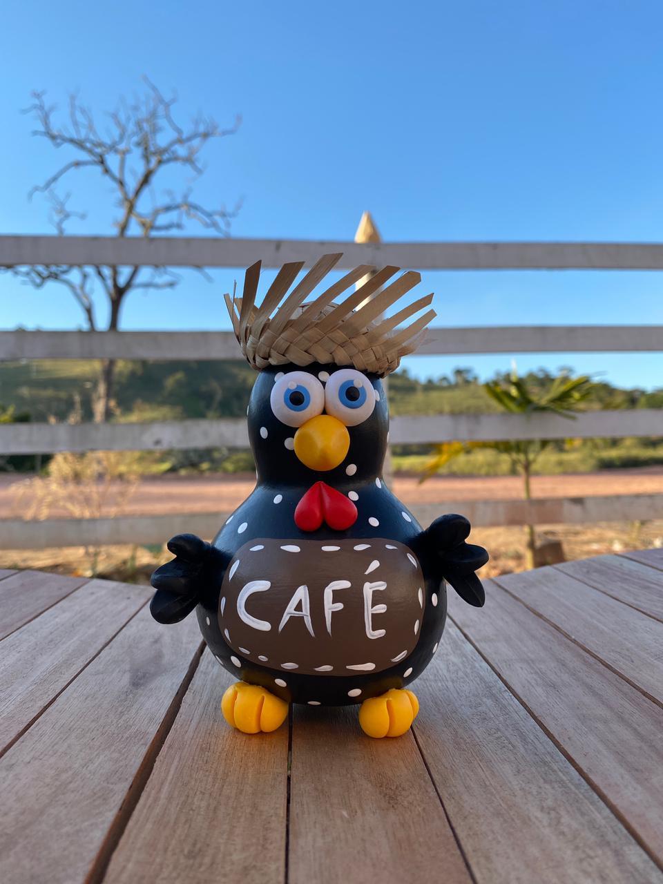Galo Hora do Café em Cabaça com Mini Chapéu de Palha