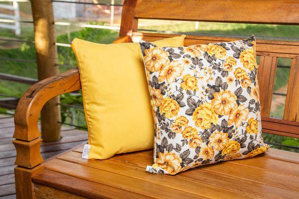 Jogo de  capas para almofadas  amarelo