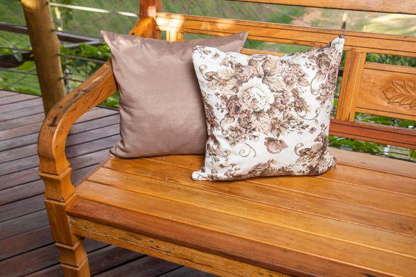 Jogo de capas para  almofadas  marrom