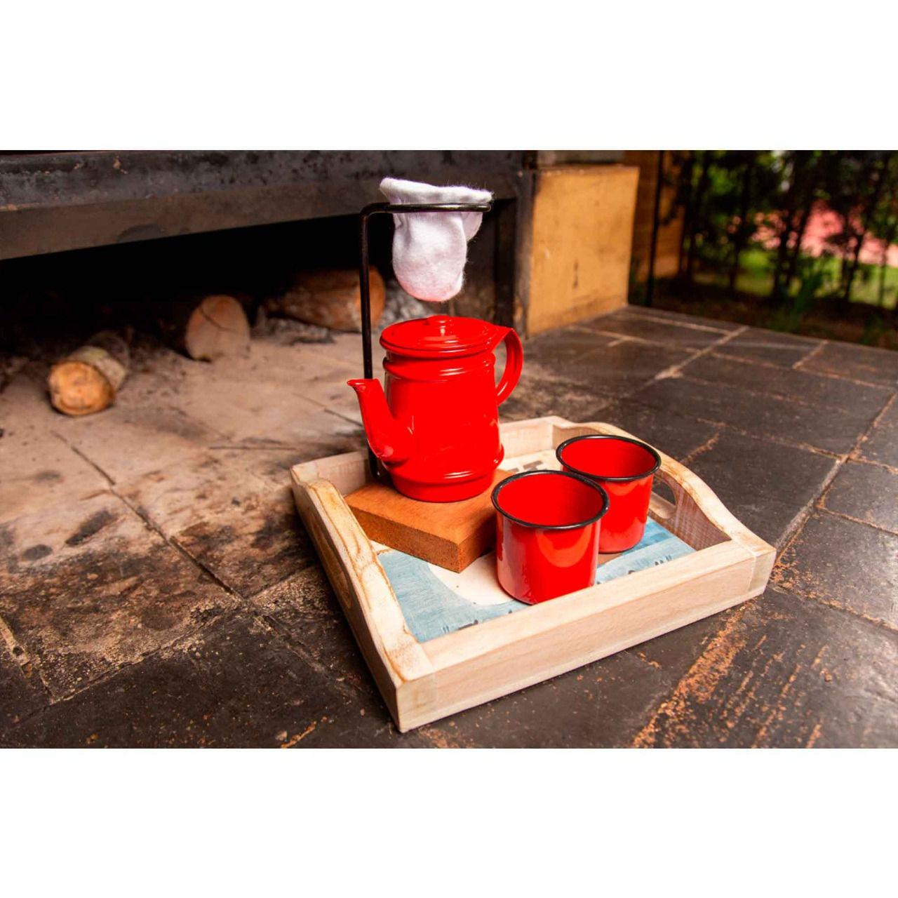 Kit bandeja bege pequena, kit bule 250 ml e canecas vermelhas