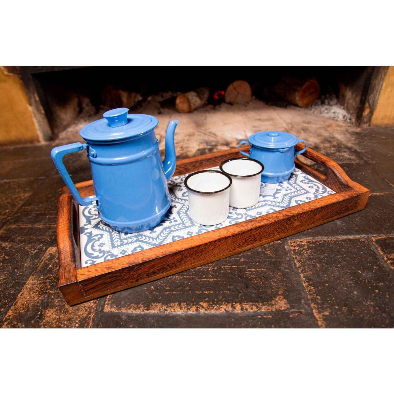 Kit bandeja, bule 1 litro azul claro e canecas brancas e açucareiro azul claro