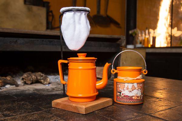 Kit bule 1 litro e leiteira 1 litro laranja