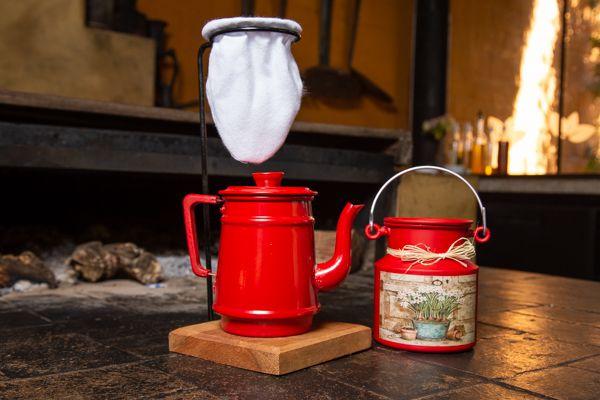 Kit bule 1 litro e leiteira 1 litro vermelho