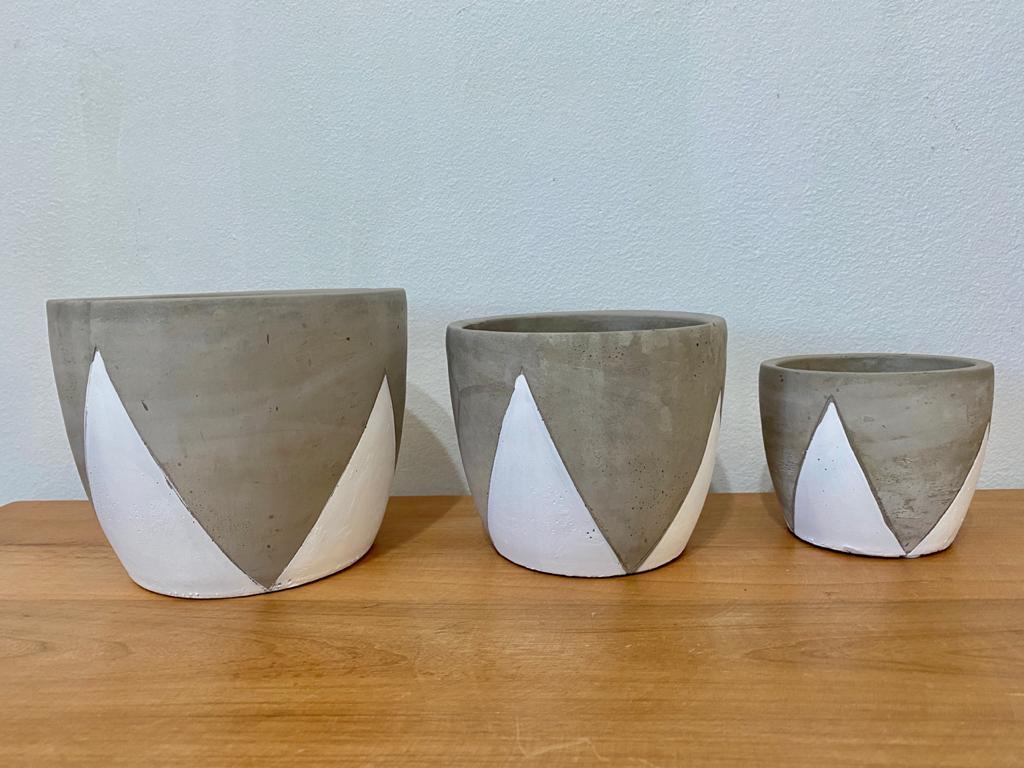 Kit Cachepot com 3 em Cimento com Detalhe em Branco