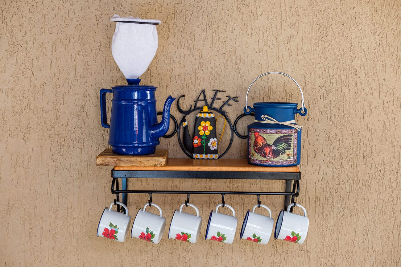 Kit cantinho do café com kit bule azul escuro 1 litro em alumínio