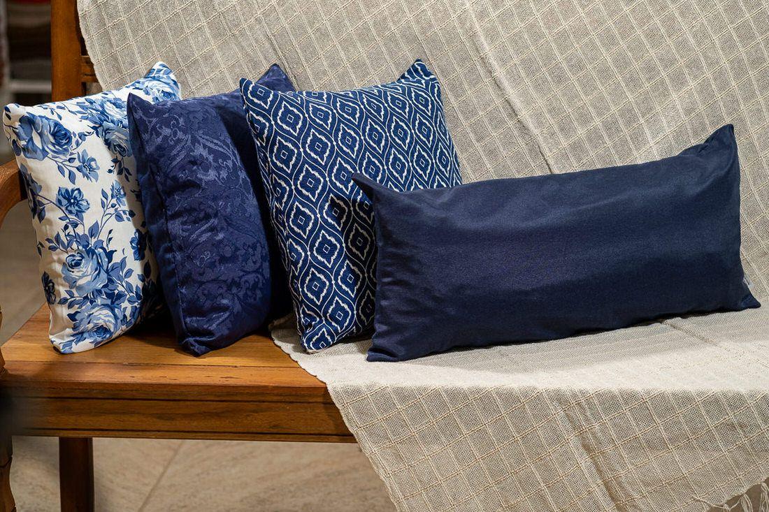Kit manta, 3 capas de almofadas e 1 capa almofada retangular azul royal