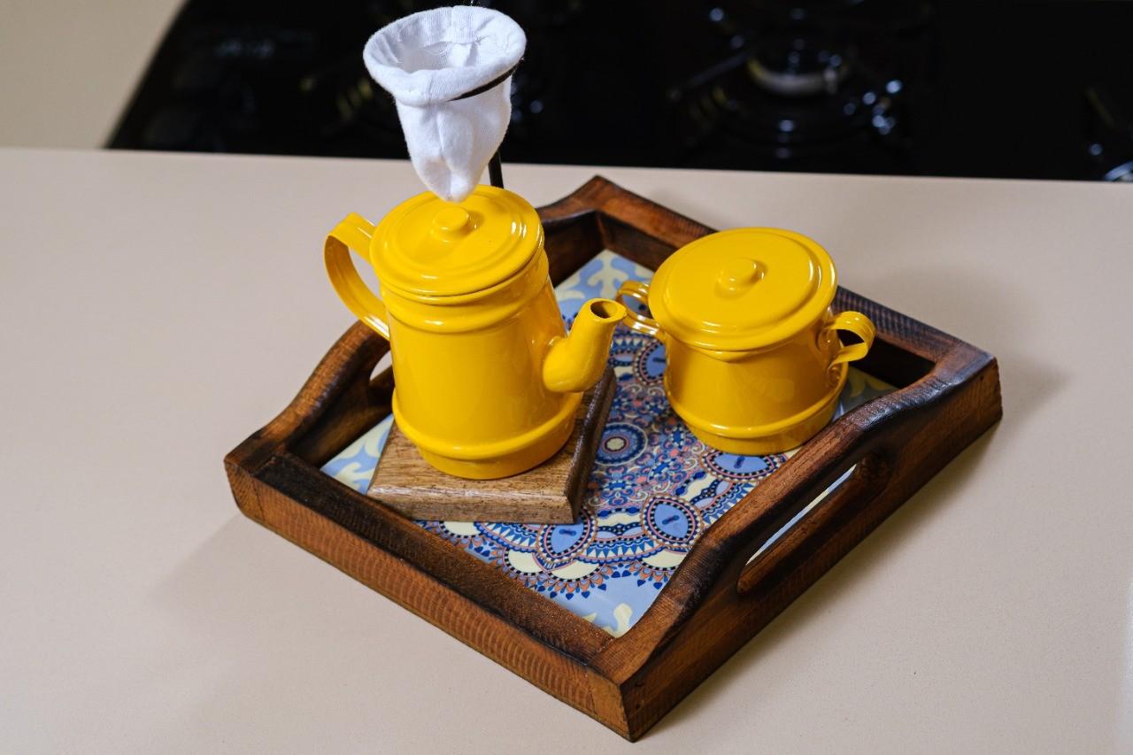 Kit Mini Bandeja + Peças de Café / Amarelo II