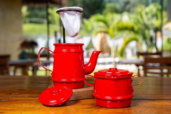 Kit mini bule 250 ml e açucareiro vermelho.