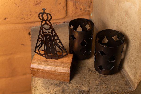 Kit porta velas e N.S. Aparecida em ferro