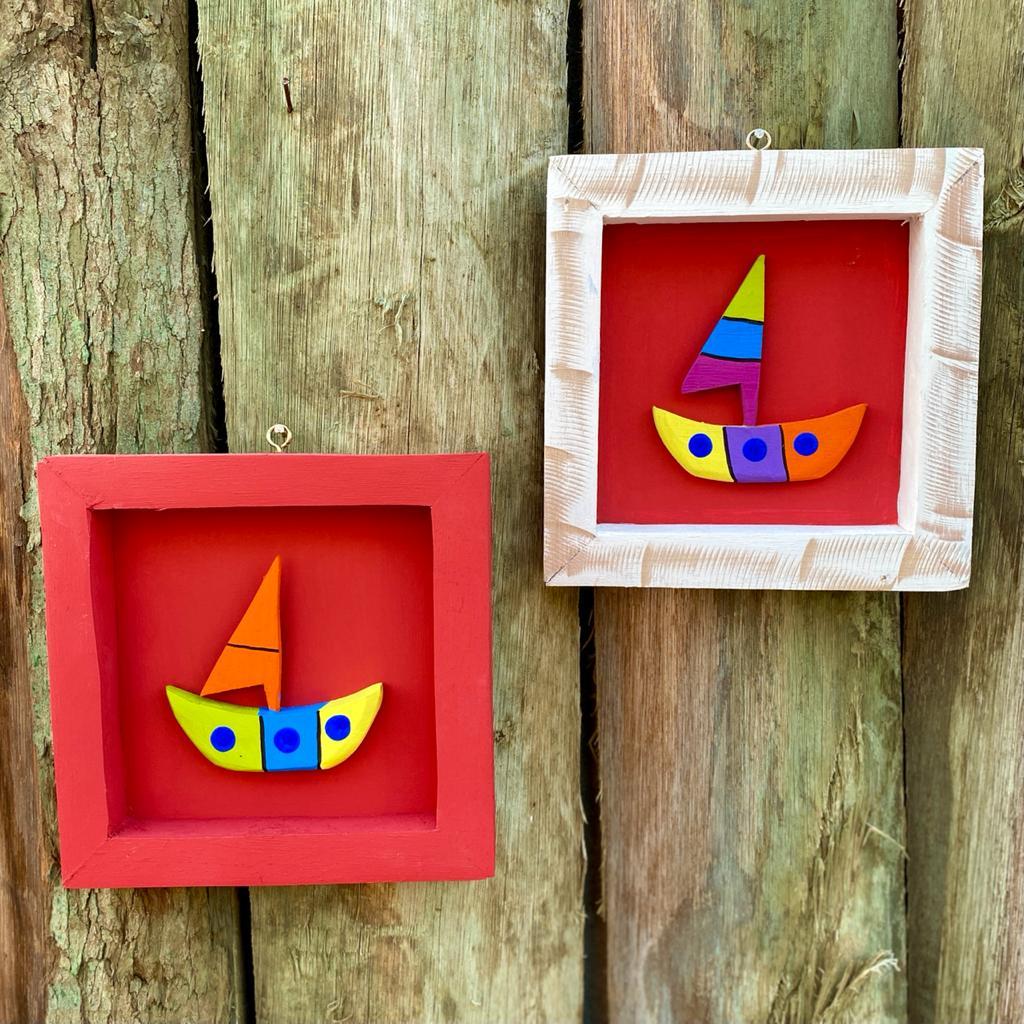 Kit Quadros em Madeira Rústica Decorados com Barco - Vermelho