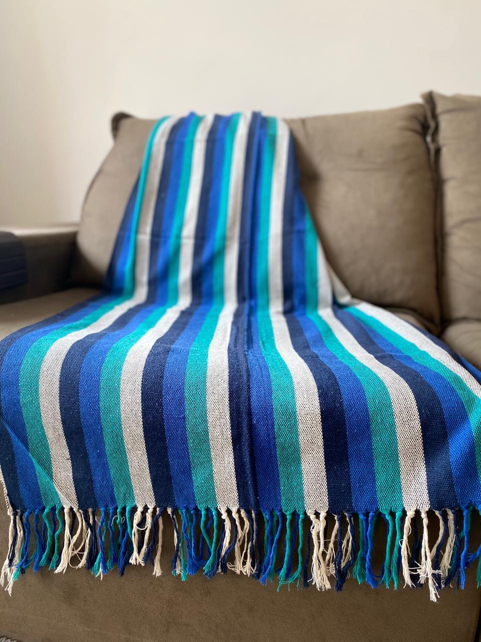 Manta Plus para Sofá - Listrada em Azul, Verde e Cru