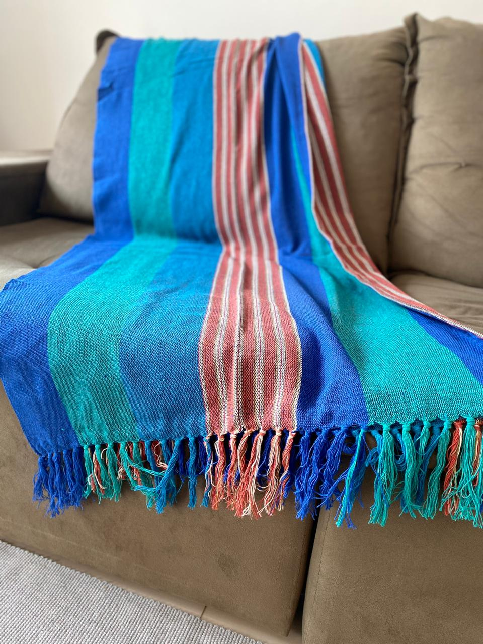 Manta Plus para Sofá - Listrada em Verde, Azul e Marrom