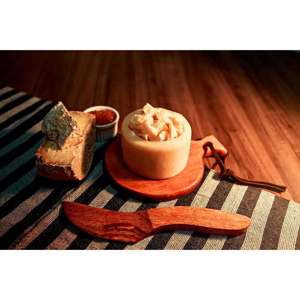 kit Mini tábua para queijos em madeira + e faca em madeira