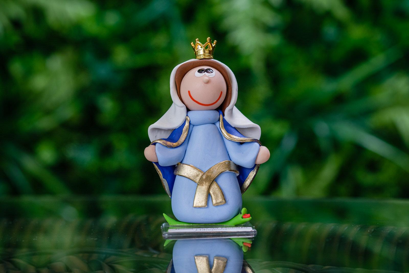 Nossa Senhora da Medalha Milagrosa em Biscuit