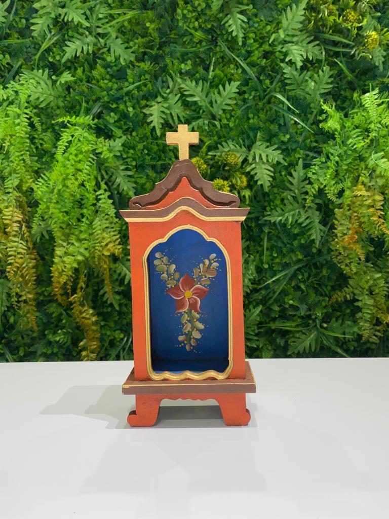Oratório em Madeira Vermelho com Fundo Azul - 30 x 13 x 7,5 cm