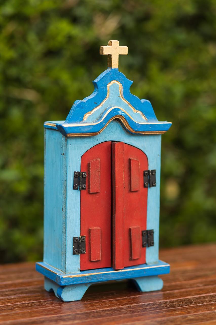 Oratório Pequeno em Madeira Azul com Portas Vermelhas