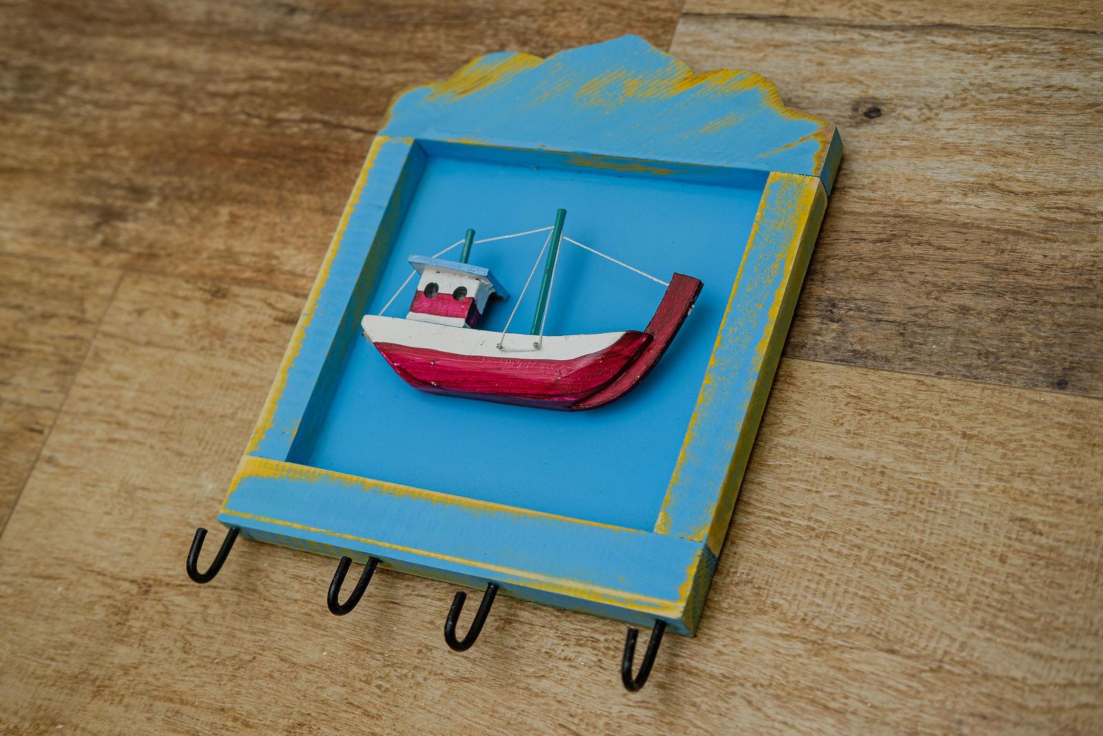 Porta Chaves Barco em Madeira com Quatro Ganchos - Azul