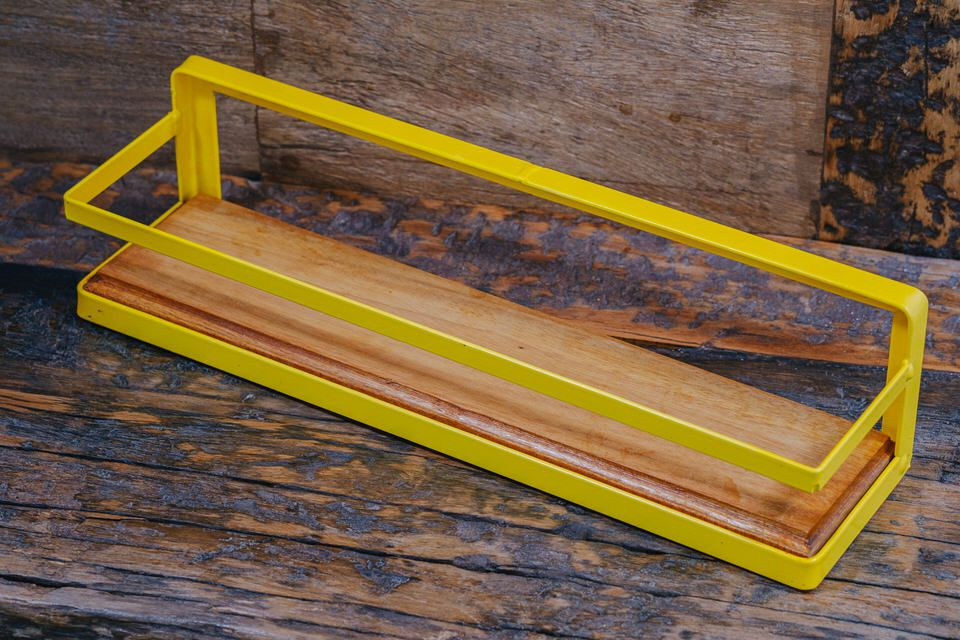 Prateleira porta temperos amarela