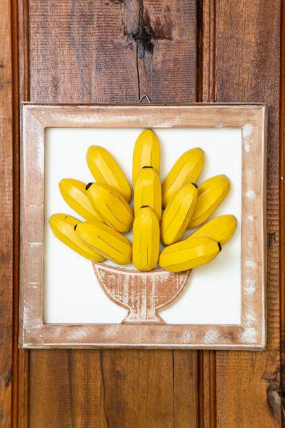 Quadro de Madeira em Formato de Banana