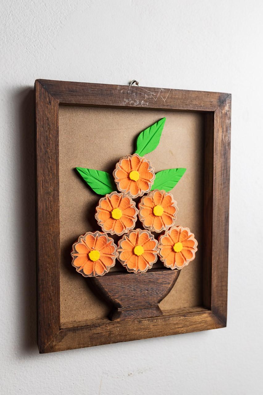 Quadro em Madeira Rústico - Flores Laranja